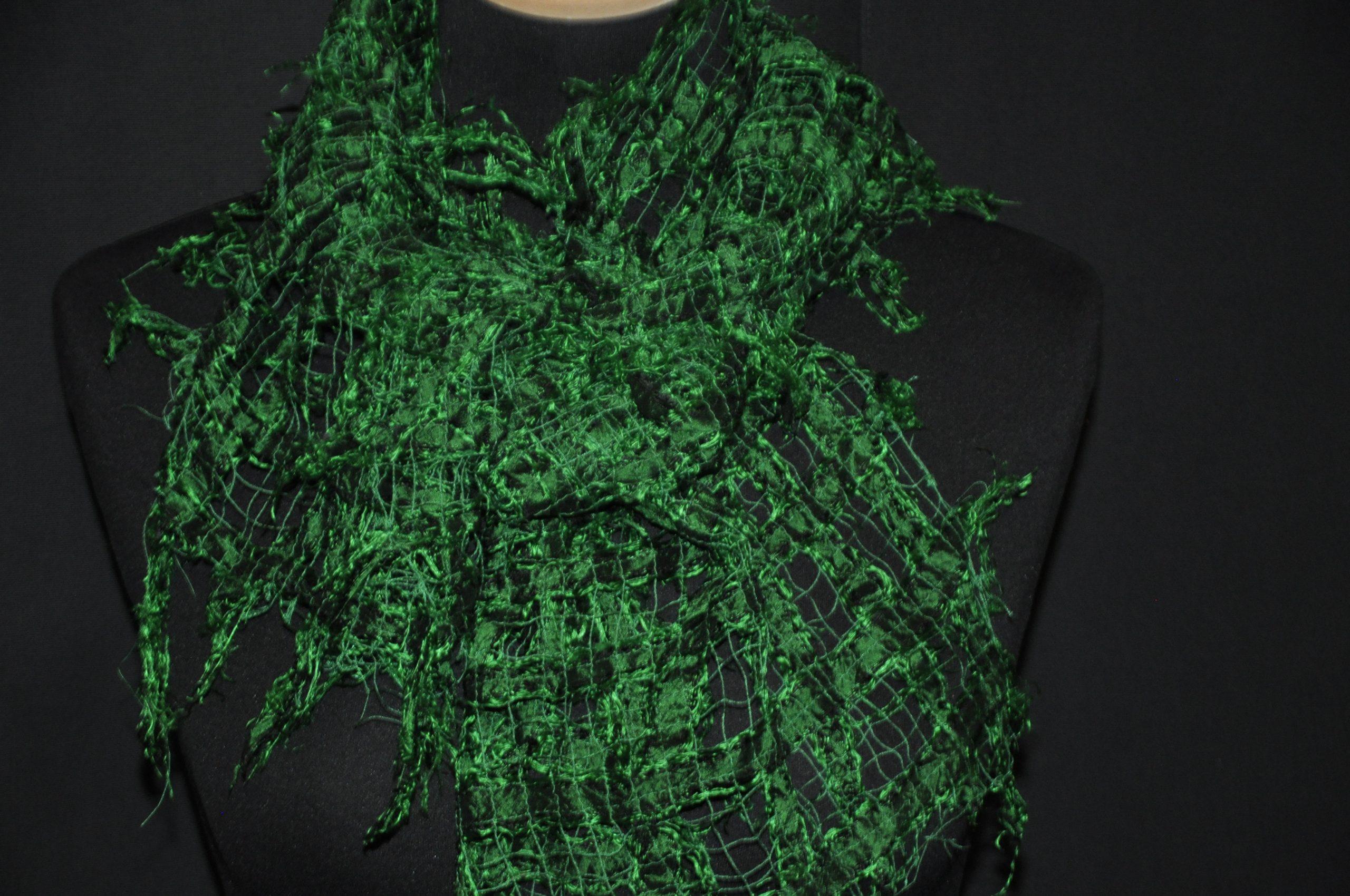 Seidenschal - grün, durchbrochen