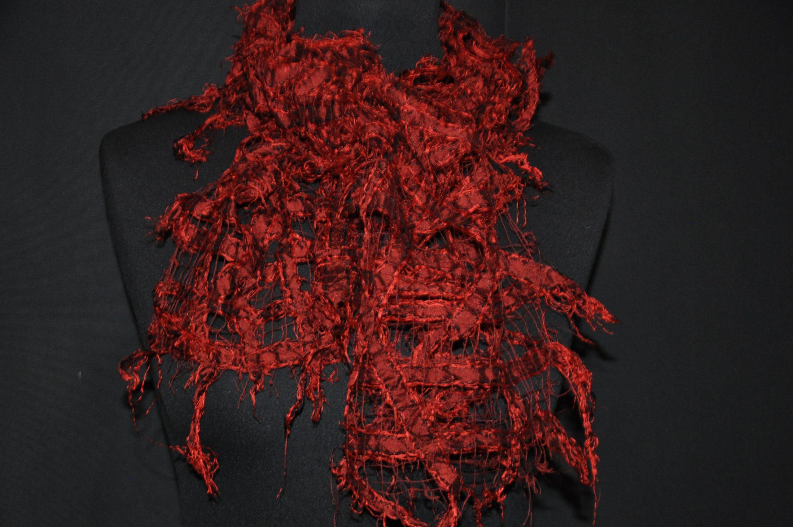Seidenschal - rot, durchbrochen